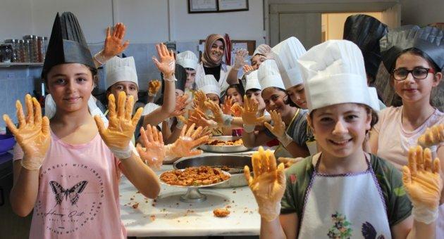 SAKEM'de Minik Aşçılar Yetiştiriliyor