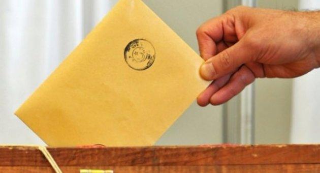 YSK Seçime Katılabilecek  10 Siyasi Partinin Listesini  Yayınladı